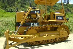 Trator de Esteira Caterpillar D4-E 1985